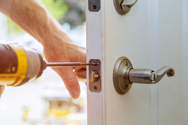 24 Hour Locksmith in Farnborough Gloucestershire