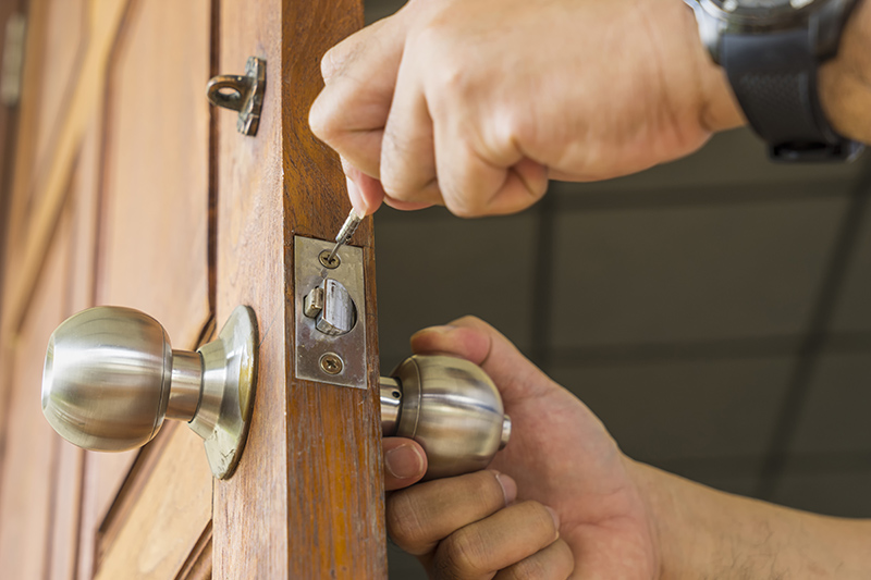Locksmith Prices in Farnborough Gloucestershire